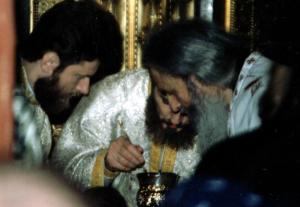 fr-rafail-during-the-divine-liturgy-st-nicholas-church-bucharest-2002